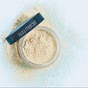 New Laura Mercier Translucent Loose Setting Powder